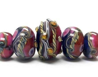 ON SALE 30% off Handmade Glass  Lampwork Beads - Five Graduated Pink/Purple Rondelle Beads 10108011