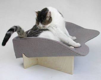 Midcentury modern pet bed boomerang in grey ivory textured weave