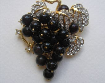 Vintage Signed Nolan Miller Sonoma Grapes Pin Articulated