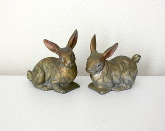 Pair Cast Iron Bunny Rabbits, Vintage Figurines, 1930s 40s Bunnies Knick Knacks