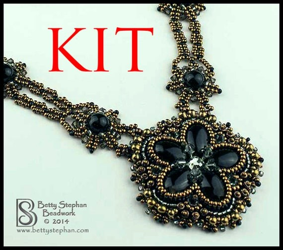 Kit princess necklace black bead embroidered from