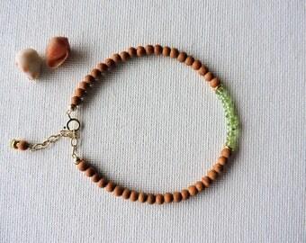 Sandalwood & peridot gemstone bracelet - summer stacking bracelet - layering bracelet - peridot bracelet - olivine bracelet