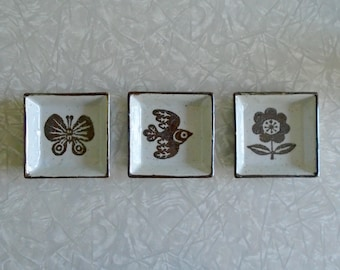 mod square dish set, brown and white stoneware, bird, butterfly and flower, vintage trinket dishes, vintage sauce dishes, three gift set