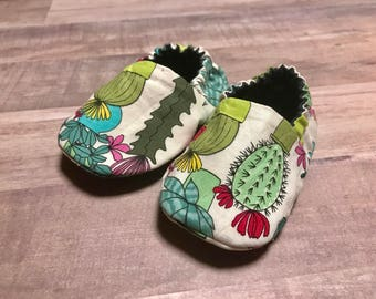 Green Cactus Baby Slippers - Booties - Crib Shoes - Green Pink Gray Blue - Arrows