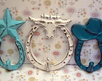 Longhorn Bull Star Hat Horseshoe Cast Iron Set 3 Wall Hooks Shabby Chic Turquoise White Teal Home Decor