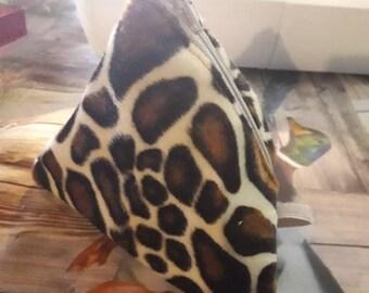 Trousse fourre tout berlingot fausse fourrure girafe