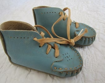 Vintage Leather Baby Shoes in Blue