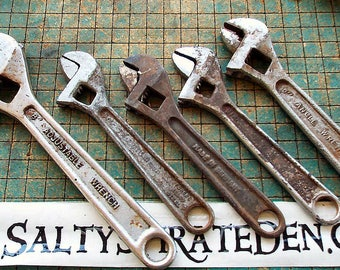 5 old broken wrenches, crusty rusty, adjustable, steampunk craft supply, found art, industrial