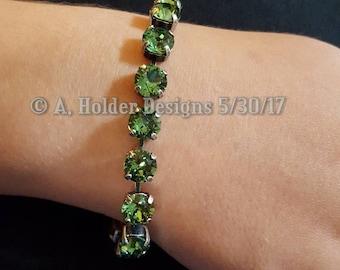 Crystal Bracelet - Erinite Green Chatons - 8 mm stone size