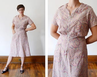 1940s Pink Paisley Housedress - M/L