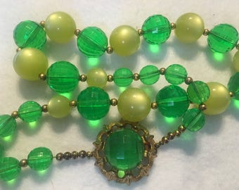 A20 large green beaded statement necklace vintage