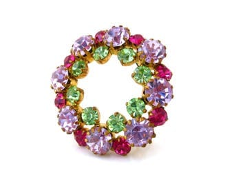 Vintage Alexandrite Color Change Rhinestone Circle Brooch, Purple Green Fuchsia Pin, 1960s Costume Jewelry