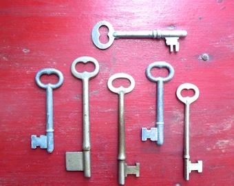 6 Vintage skeleton keys Antique skeleton keys Old skeleton keys Old Skelton Group of keys Antique key Love is the key Old keys Assorted  #2