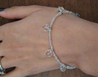 Clear dangle beaded bracelet 7 inches