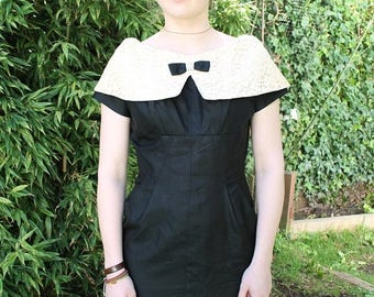 SPRING SALE 50s Evening Dress, 1950s Wiggle Dress, Mid Century Dress, Black Wiggle Dress, Lace Peter Pan Collar, Vintage Dress Tight Skirt,