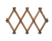 Accordion Peg Rack, Vintage Expandable Wall Rack, Hat Rack, Accessory Rack, Gadget Rack