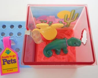 Vintage Littlest Pet Shop Chameleon in Cactus Cove Playset by Kenner 1992