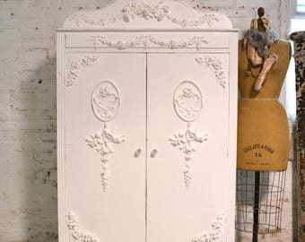 Armoire Painted Cottage Chic Shabby French Romantic Armoire/ Wardrobe AM224