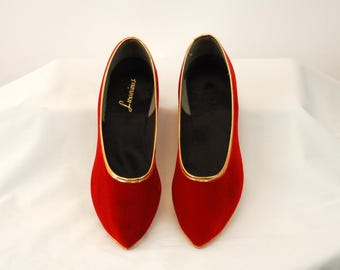 1960s slippers red velvet Christmas pointed toe flats pixie shoes genie shoes Size 5