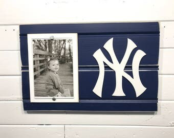 "New York Yankees picture frame holds 4""x6"" photo, decor"