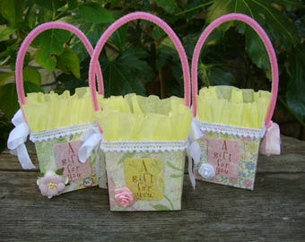 gift bags party favors pink and yellow small paper bags gift wrap packaging candy containers gift card holders