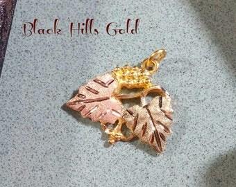 Vintage Black Hills Gold Necklace Pendant 10K Rose Gold Olive Yellow Gold Grapes Grape Leaf Motif Grape Leaves Just Needs a Necklace Chain