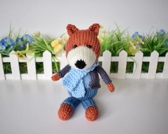 Razzle the Fox toy knitting pattern