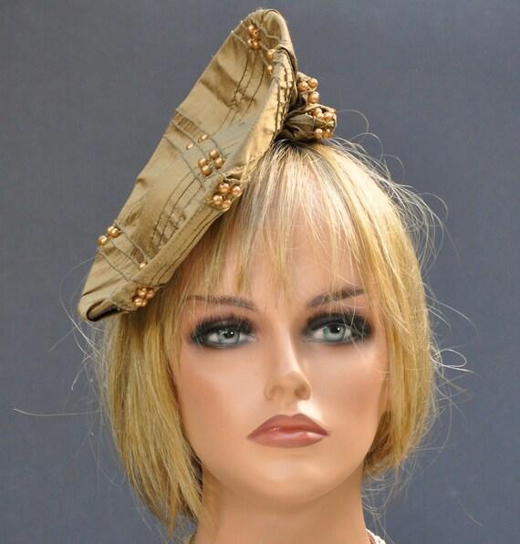 Fascinator Hat, Wedding Fascinator, Kentucky Derby Hat, Ladies Gold Bronze Hat Cocktail Hat Pillbox Formal Hat Event Hat Brim Hat Saucer Hat