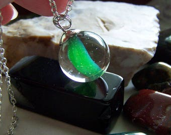 Green Cat's Eye Banana Vintage Marble Pendant