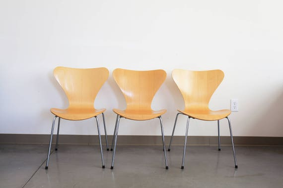 Set of 3, Arne Jacobsen for Fritz Hansen Series 7 Seven Chairs