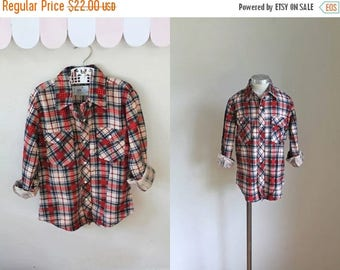 AWAY SALE 20% off vintage boy's plaid shirt - CABIN Plaid cotton flannel button down / 10-12yr
