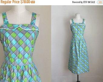 AWAY SALE 20% off vintage 1940s dress - CUBES cotton pinafore sundress / M