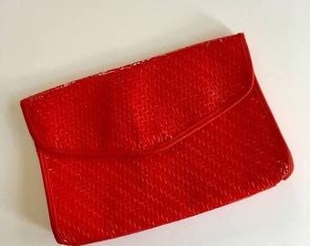 AWAY SALE 20% off vintage straw clutch - CANDIED Apple wicker bag