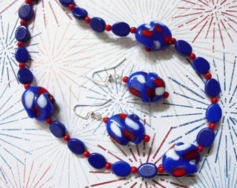 Red, White and Blue Patriotic Necklace and Earrings (3548)