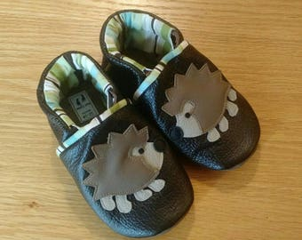 Baby boy's brown hedgehog shoes size 5/ 12-18 months, leather soft soled shoes, moccasins