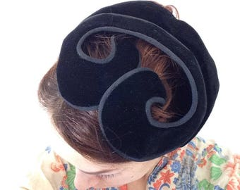 1930s French vintage black velvet fascinator hat