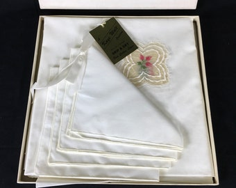 Vintage Kaye Walt Creation Tablecloth w Napkin Set
