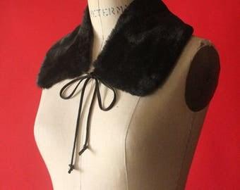 Vintage 90's Black Faux Fur Peter Pan Collar