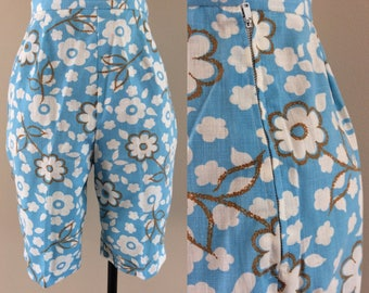 "1960's Cotton Linen Floral Print High Waisted Shorts 24"" Waist Size XS by Maeberry Vintage"