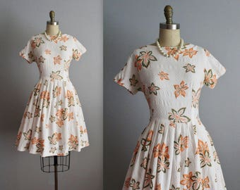 50's Dress // Vintage 1950's Leaf Novelty Print Full Pleated Cotton Summer Dress L