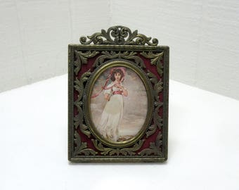 "Vintage ""PINKIE"" Print Filigree Brass Tone Frame Made In Italy"