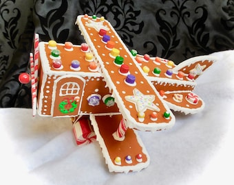 Faux Gingerbread Oldtime Airplane