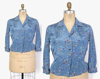 Vintage 40s NOVELTY BLOUSE / 1940s People & Hearts Rayon Top M - L