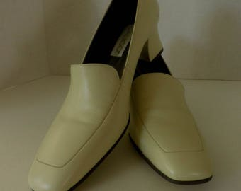 Ivory Leather Women's slip-on dress shoes, Size 9.5 M, sensible heel