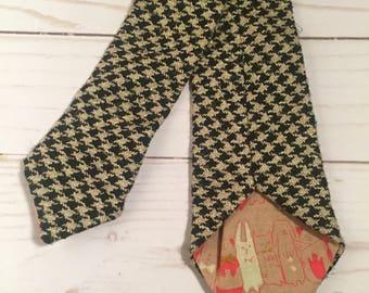 Handmade Black and Tan Houndstooth Skinny tie, skinny tie, skinny tie for men, houndstooth tie, wedding tie, groomsman tie, tie for weddings