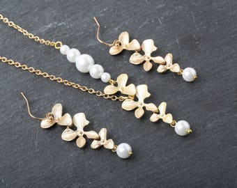 Gold Orchid Necklace, Bridal Necklace, Bridesmaid Gift, Pearl and Gold Necklace, Maid of Honor Gift, Gold Bridal Jewelry, Gold Flowers