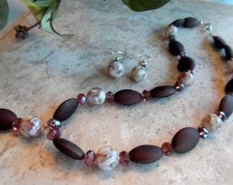 Necklace And Earring Set Brown, Beige, Wine