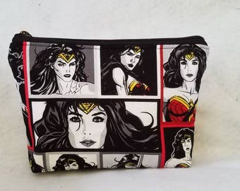 FAST SHIPPING//wonder woman cosmetic bag//Large zipper Cosmetic/accessory Pouch