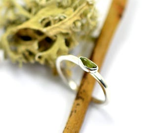 Peridot rough gemstone ring, sterling silver raw green stone stacking ring size 6 3/4 August birthstone ,stone stack ring, petite ring