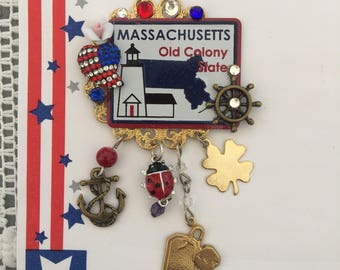 MASSACHUSETTS  Brooch -  Old Colony State PiN - Mini License Plate - USA Collage JEWELRY
